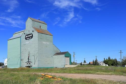 canada farm farming alberta agriculture prairies grainelevator innisfree ruralalberta woodengrainelevator