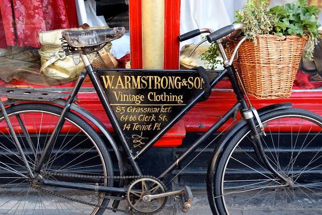Vintage Bicycle, Edinburgh | www.rachelphipps.com @rachelphipps