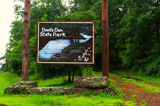 Devil's Den Sign
