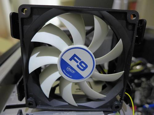 更換 AC CPU 風扇