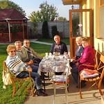 Besucher im November: Elisabeth Martini, Dr. Sibu und die Familien Grappini und Quinkert beim Frühstück.