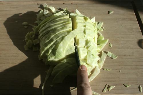 25 - Weißkohl klein schneiden / Cut white cabbage