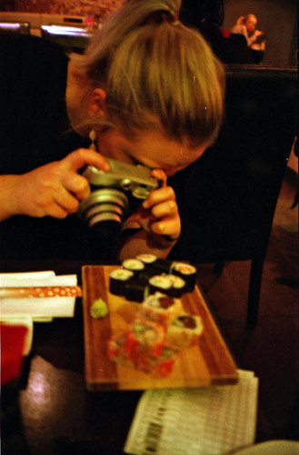 Gaëtane, instax and sushi. Blurry.