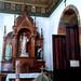 A la derecha del altar mayor
