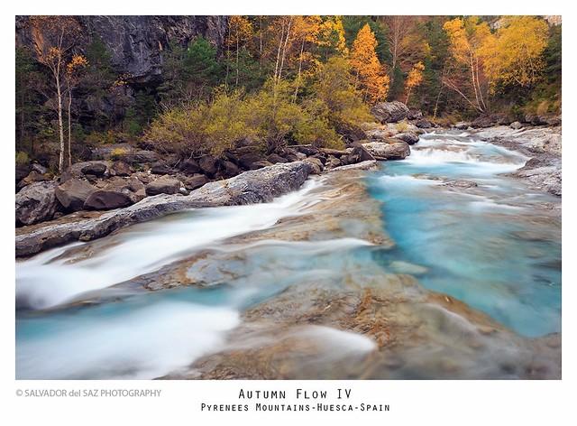 Ara river, Torla, Huesca, Spain.