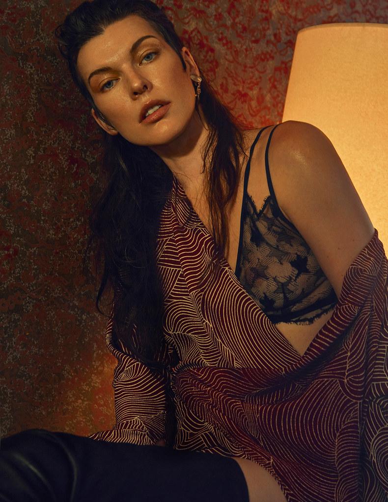 Милла Йовович — Фотосессия для «Vogue» UA 2016 – 14