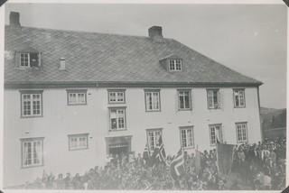 Ved Åsen aldersheim 17. mai 1945