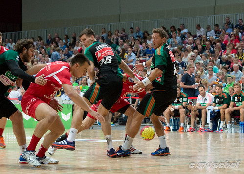sports sport indoor handball teamsport ballspiel hallensport sgflensburghandewitt erimacup rheinneckarlöwen tsvhannoverburgdorf mtmelsungen feldspiel dierecken bundesligahandball