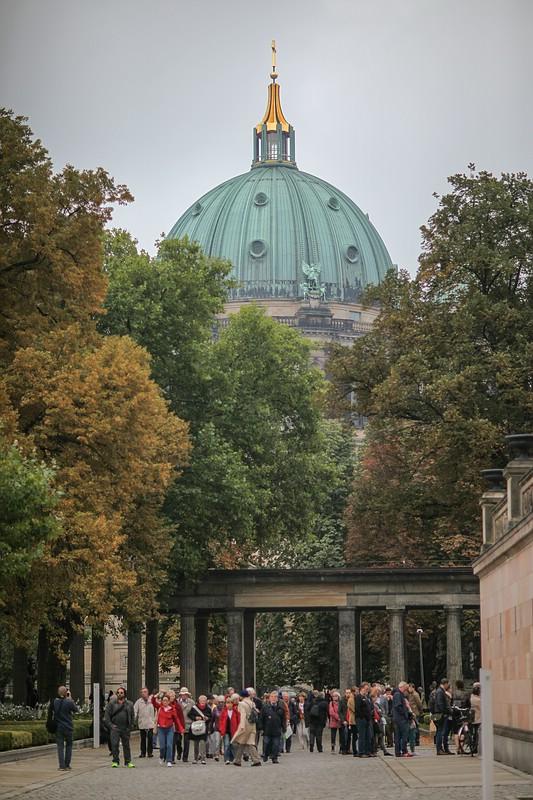 Berliner Dom & Touristen