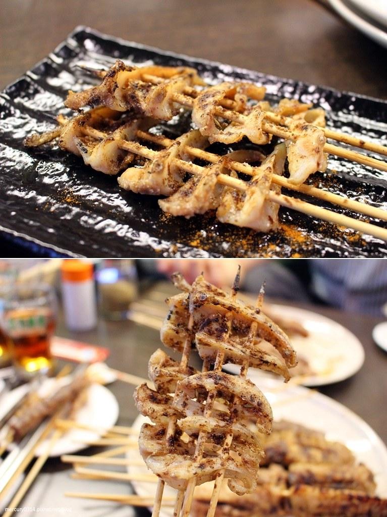 22333985121 77cc1a9054 b - 熱血採訪。台中北區【維吾爾 新疆碳烤】自製獨家香料,滿滿的孜然烤肉香氣,海鮮類新鮮好吃(已歇業)