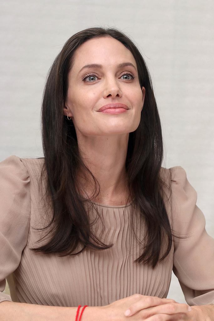 Анджелина Джоли — Пресс-конференция «Лазурный берег» 2015 – 61