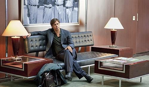 Brad Pitt crossed legs