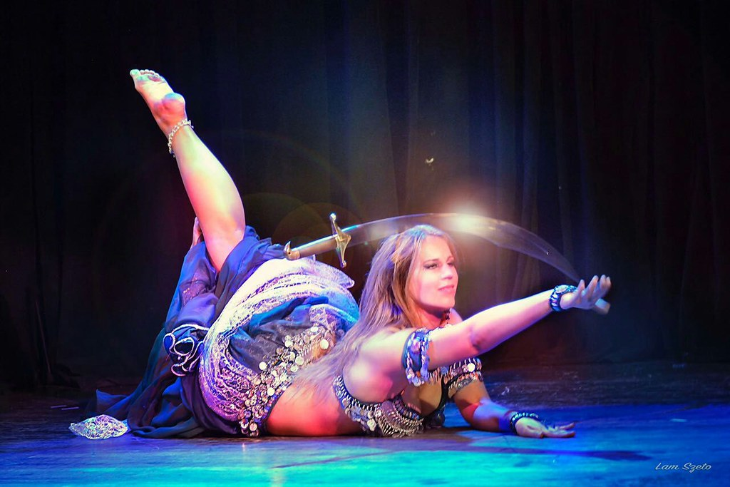 Bellydance with sword