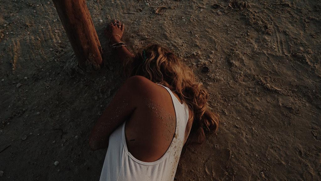 Эшли Бенсон — Фотосессия для «Find Your California» 2015 – 36