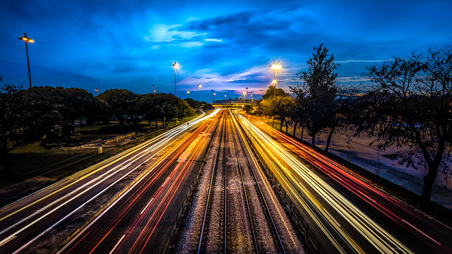 Traffic - Lisbon, Portugal - Urban photography