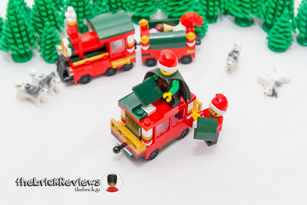 ThebrickReview: Christmas Train - 40138 - Limited Edition 2015 23610636482_6118af24bd_b