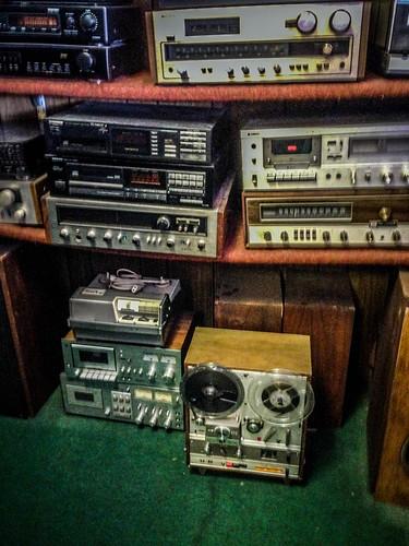 Don Jones Stereo-4