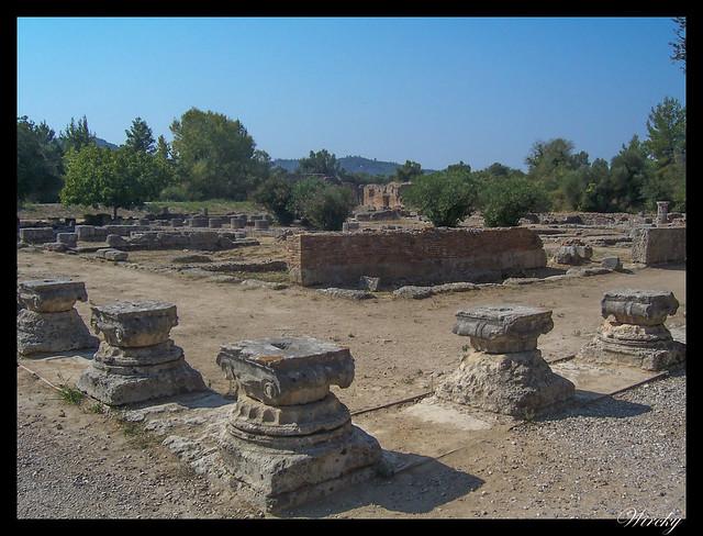 Grecia Olimpia Delfos - Restos del Leonidaion para los oficiales