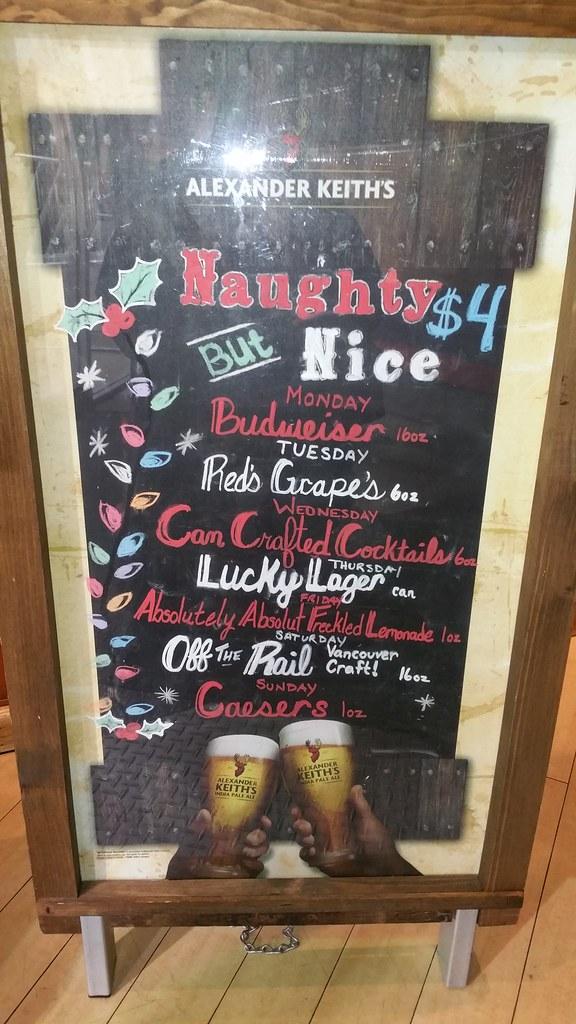 2015-Nov Red Robin daily drink specials