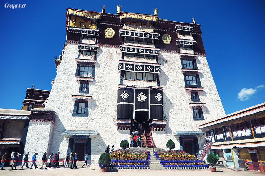 2015.12.04▐ Tibet 西藏踢北去 ▐ 藏人的精神殿堂布達拉宮,但或許不只我們高山反應沒精神…18.jpg