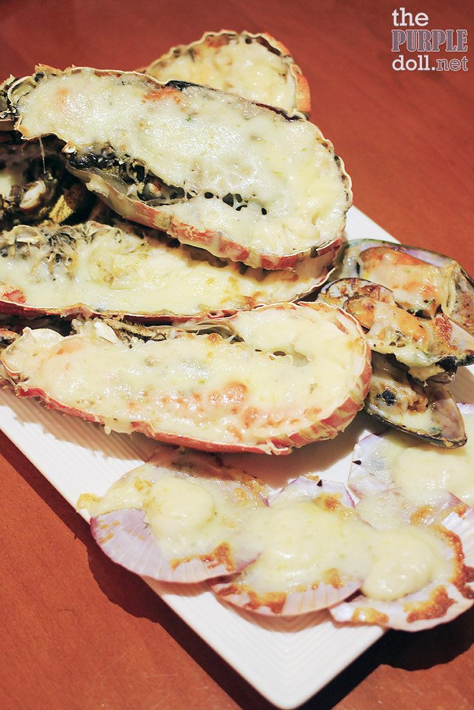 Plates - Lobster, Scallops and Mussels with Cheese