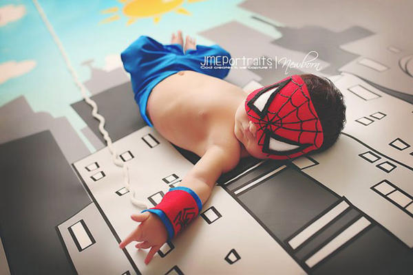 Interesting photo shoot with kids – superheroes
