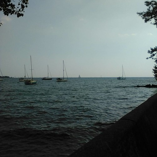 Boats on Lake Ontario #toronto #torontoislands #boats #lakeontario