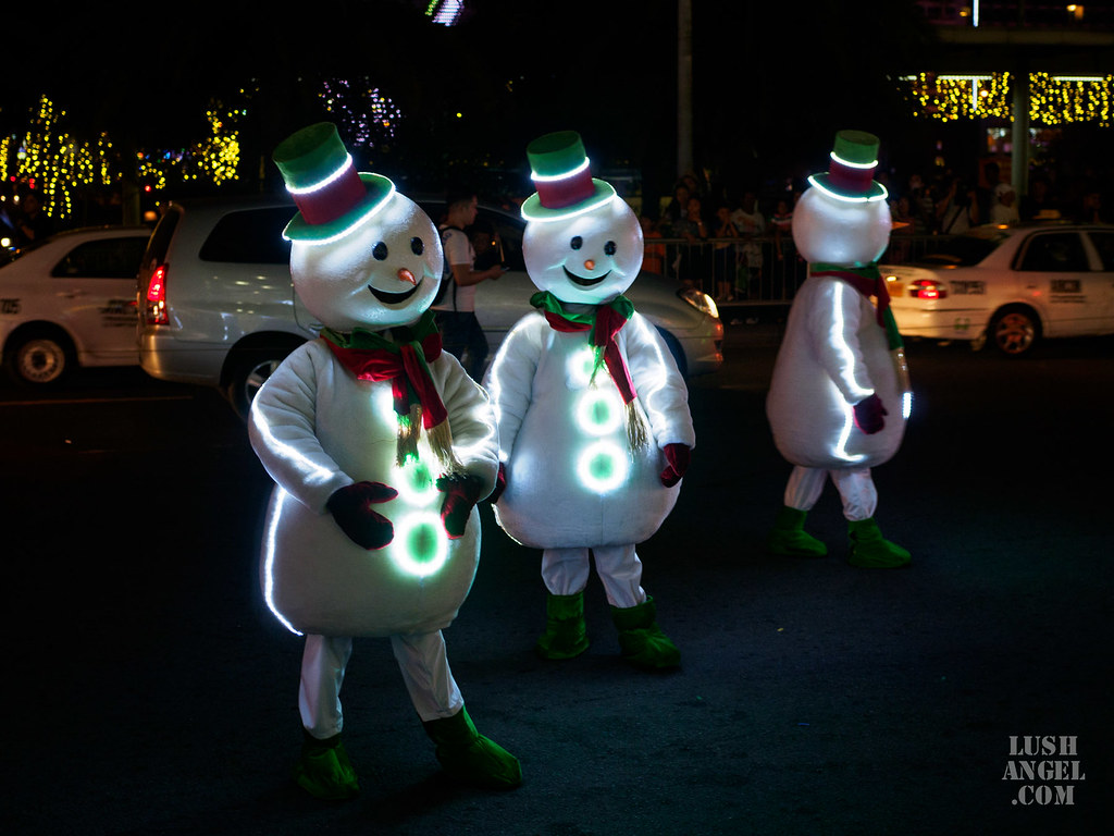 sm-moa-christmas-parade