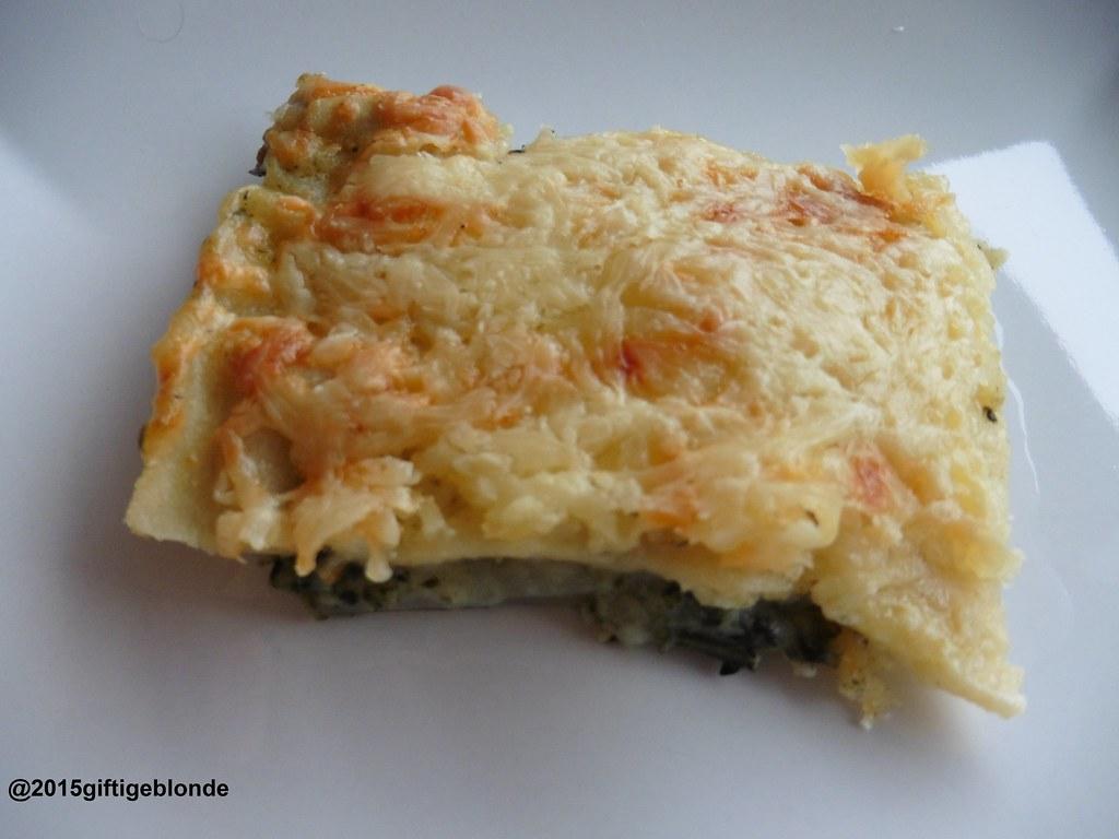 Nudelauflauf mit Mangold, Bechamel und Käse