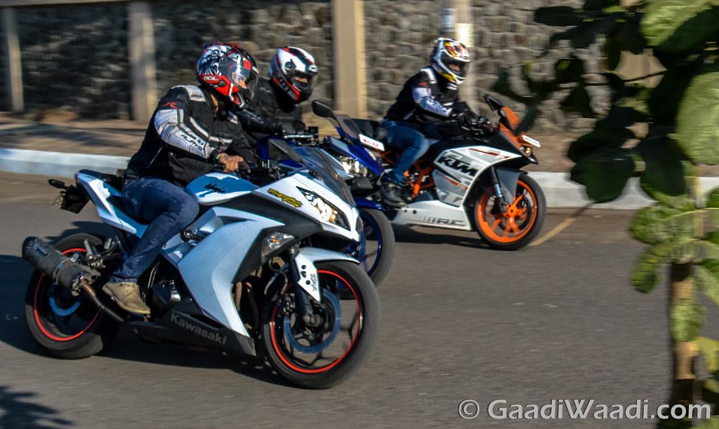 Yamaha R3 vs KTM RC390 vs Kawasaki Ninja300-22