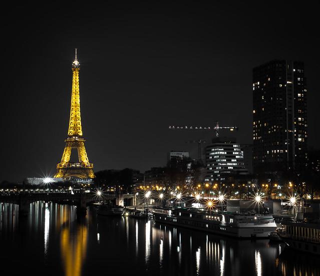 Eiffel Tower - Paris, Nikon D7100, AF-S Nikkor 35mm f/1.8G