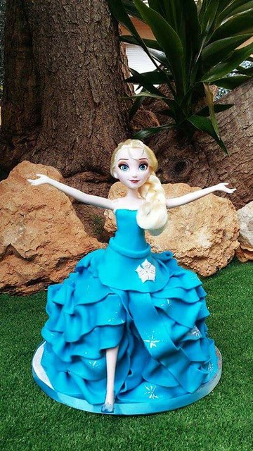 Barbie Cake by Manoli Morales of Kylie's Cakes