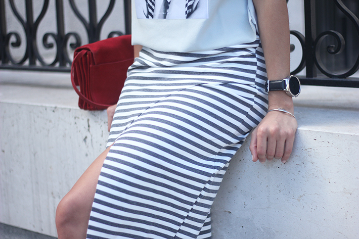 Pencil Stripped Skirt Red Bag Shoes Heels Outfit Tshirt11