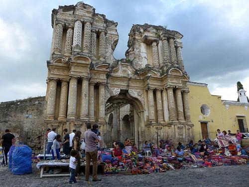 Mercado de artesania en Antigua