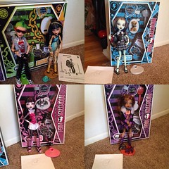 I have 1st wave #monsterhigh #dolls for sale. All are 100% complete with box. Mint condition. They come with everything! $65 for Deuce an Cleo. $30 for each of the other ghouls. DM if interested. #monsterhighdolls#monsterhigh