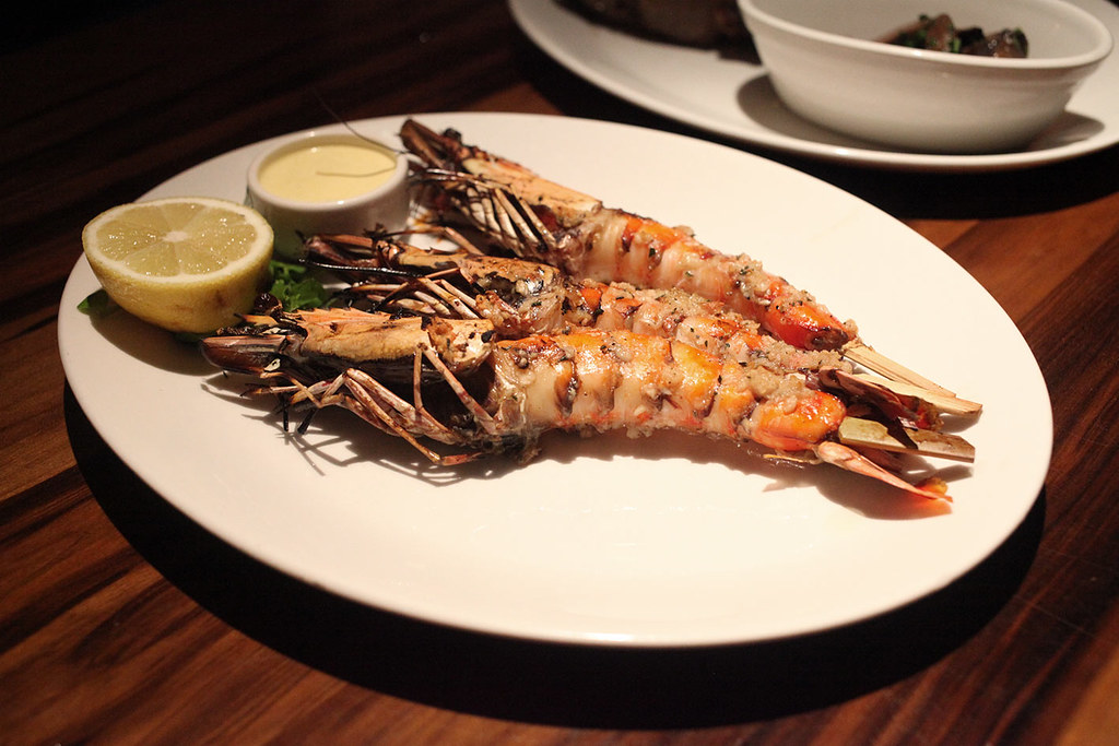 grill-on-the-market-king-prawns-main