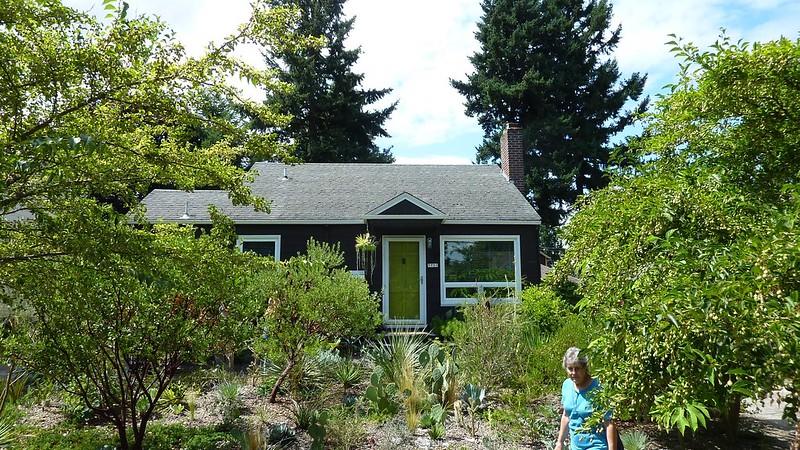 Green on Green Garden Tour: Danger Garden / Portland, Oregon