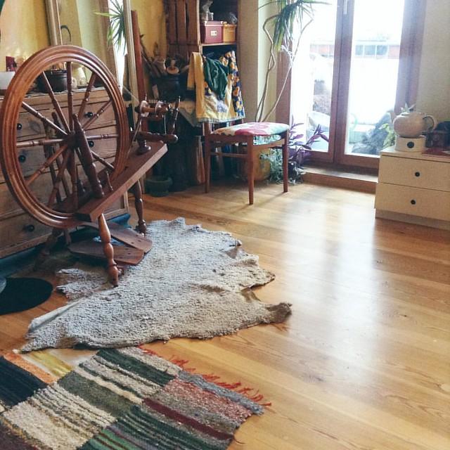#12von12 endlich: fertig aufgeräumt, staub gesaugt und teppiche ausgeschüttelt.