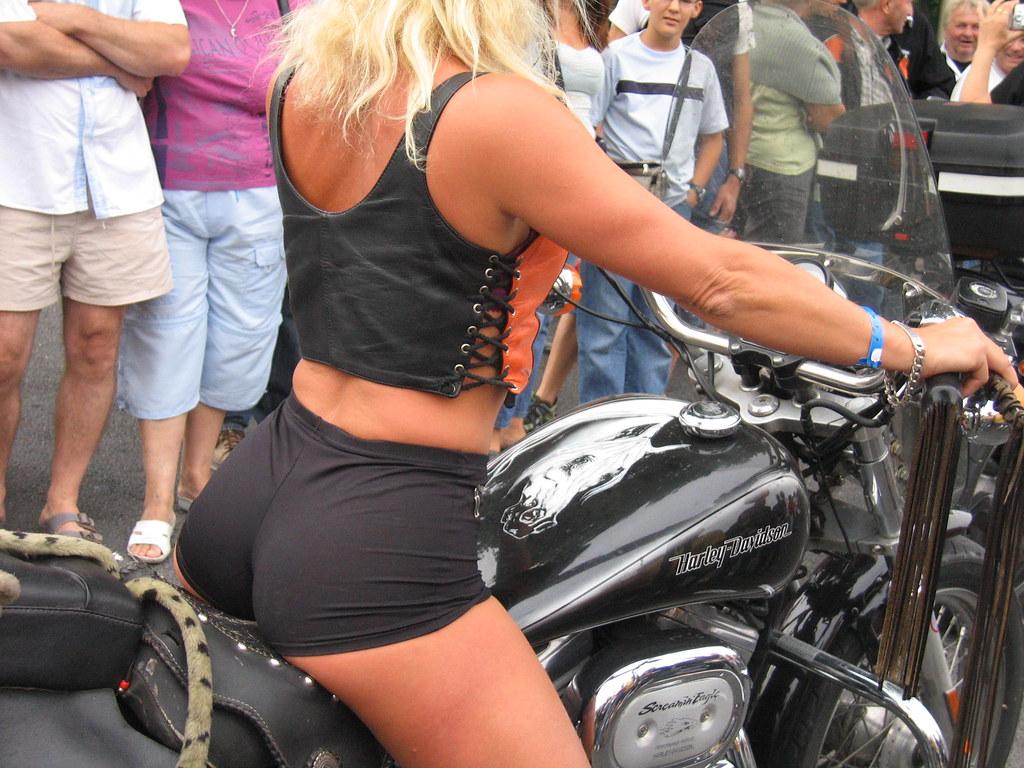 Combien n'ont regardé que la moto ??