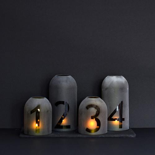 karacsony-fekete2-sm
