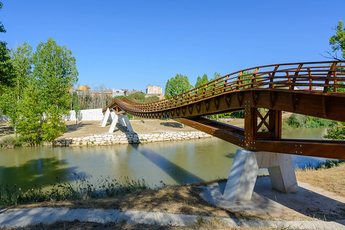 Pasarela de acceso a Pesquera de Duero