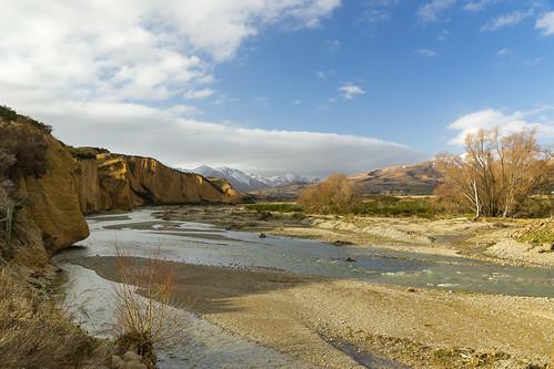 newzealand landscape nz southisland centralotago riverbend clifferosion kyeburndiggings riverbraids mtbuster danseyspassrd kyeburnriver