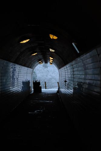トンネルの先は雪国だった