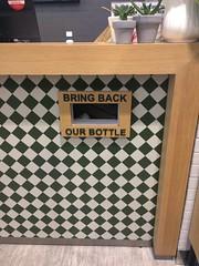 Kotak pengembalian botol kosong tersedia di meja kasir. Ayo, jangan lupa kembalikan botol kosongnya ya supaya timbulan sampah plastik bisa berkurang :)