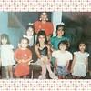 É dia da infância.  A minha foi boa. Na foto, amigas e primas no meu aniversário de sete anos.  Foto tirada pelo papai.  #diadainfancia #oldies #childhood #eighties