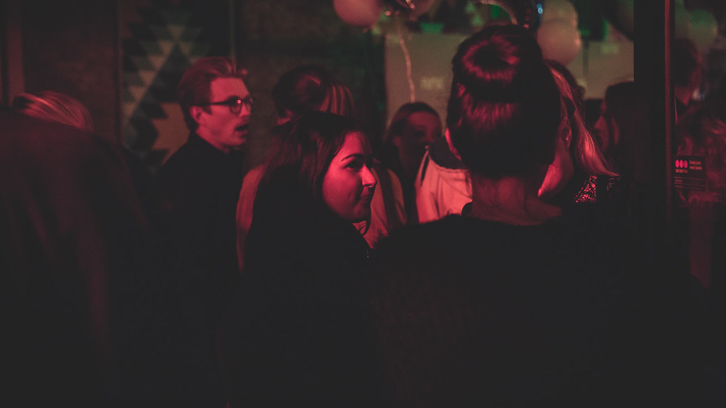 Premierefest - Line jorda rundt