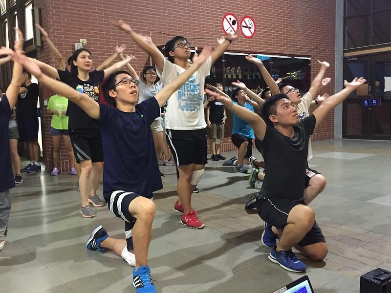 今年公領啦啦總籌及教練們,花了更多心思編排動作。圖/潘俊傑提供。