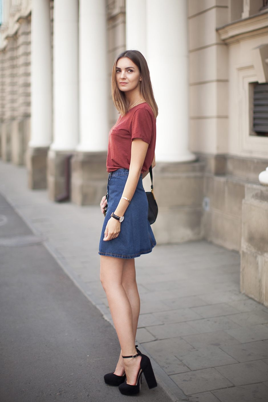how-to-wear-a-line-buton-denim-skirt-outfit