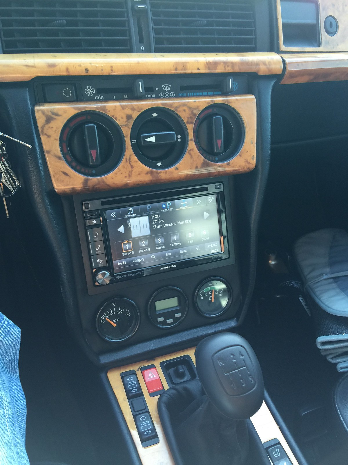 San Antonio Dodge >> Why did the later 190's have a different radio from the other models? - Page 2 - Mercedes-Benz Forum
