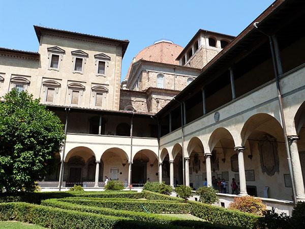 le cloître de San Lorenzo